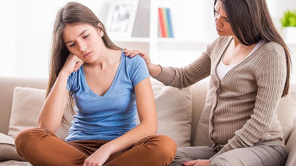 Ansiedade na adolescência: quais são os sintomas e como os familiares podem ajudar?