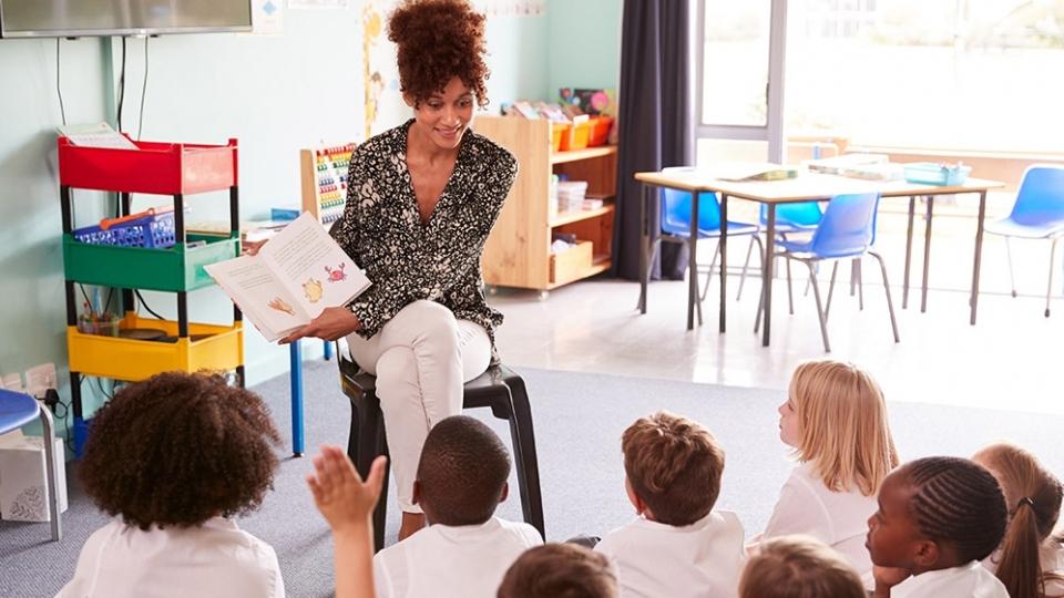 Qual a importância da contação de histórias na educação infantil?