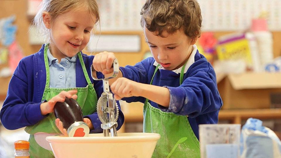 6 brincadeiras interativas para estimular a socialização das crianças