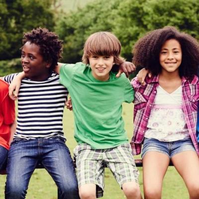4 dicas para ajudar seu filho a fazer novas amizades